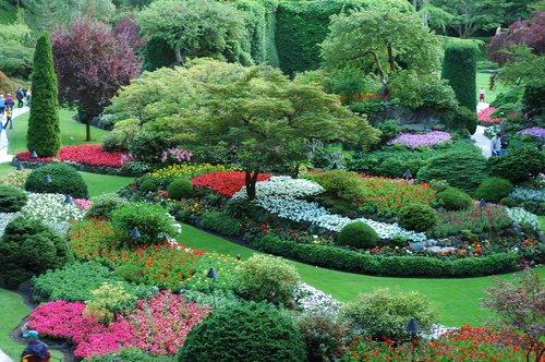 http://www.planetware.com/i/photo/butchart-gardens-victoria-cdn1115.jpg