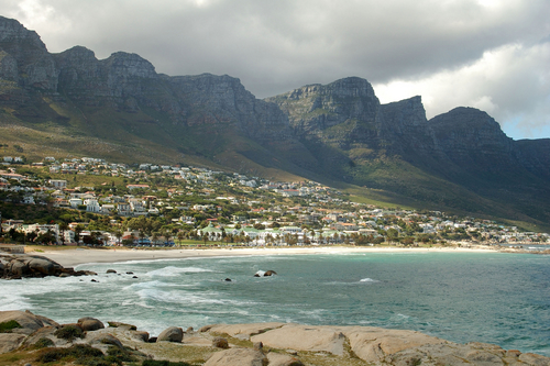 Camp's Bay with mountain behind.