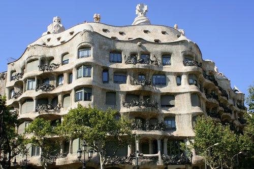 Casa Mila (La Pedrera) information. Casa Milà designed by Gaudi in Barcelona