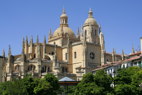 http://www.planetware.com/i/photo/cathedral-segovia-segcth.jpg