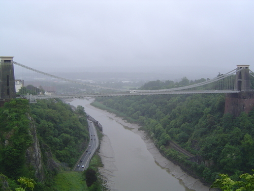 http://www.planetware.com/i/photo/clifton-suspension-bridge-bristol-gben442.jpg