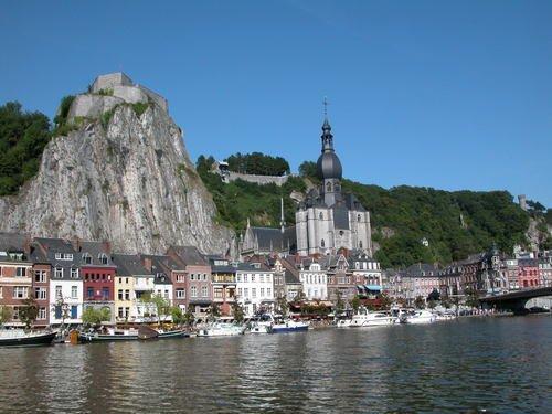 Belgique - Tourisme au plat pays Collegiale-notre-dame-dinant-bedin2