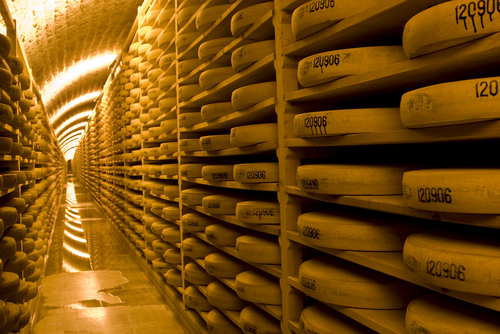 http://www.planetware.com/i/photo/comte-cheese-wheels-in-storage-in-switzerland-ch211.jpg