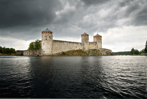 http://www.planetware.com/i/photo/olavinlinna-castle-olofsborg-castle-savonlinna-sf169.jpg