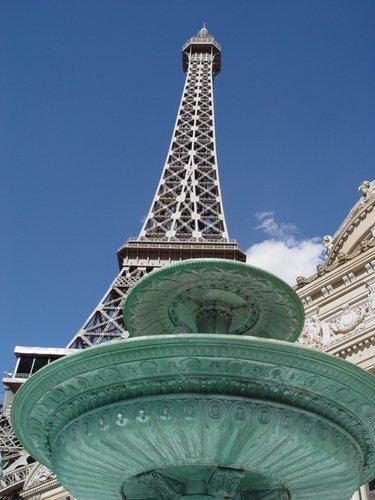 http://www.planetware.com/i/photo/paris-hotel-las-vegas-nvlv233.jpg