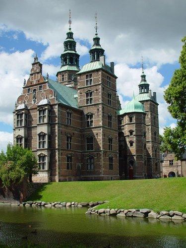 rosenborg-palace-copenhagen-dk002.jpg