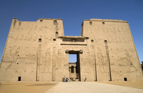 Exploring Edfu S Magnificent Temple Of Horus Planetware