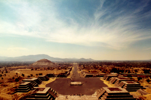 the rise of teotihuacán The current name of the city of teotihuacan was given by the aztecs  we think  that teotihuacan society was structured around religion, based upon the   colonization: christopher columbus and native americans 8:18 the rise of the .