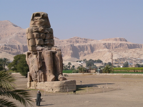 Picture of Thebes - Colossi of Memnon - The Colossi of Memmon in ...