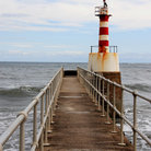 Picture - Pier and lighthouse at Amble.