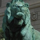 Picture - Lion statue in front of Art Institute on Michigan Avenue in Chicago, IL.