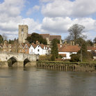 Picture - Stone bridge in the town of Aylesford.