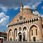 Picture - Front view of the Sant'Antonio church in Padua.