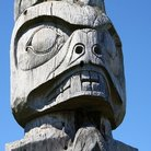 Picture - A totem pole at the Tillicum Indian Village on Blake Island.
