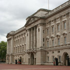 Picture - The front of Buckingham Palace.