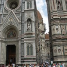 Picture - Tourists at Cathedral Santa Maria del Fiore in Florence.
