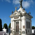 Picture - An elaborate crypt in the Municipal Cemetery / Cementerio Municipal.