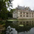 Picture - Water around the Chateau d'Azay-le-Rideau in the Loire Valley.