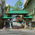 Picture - The green gates to San Francisco's Chinatown.