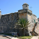 Picture - A Spanish Colonial fort on the ocean front in Cojimar.