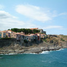 Picture - Homes along the coastline at Collioure.