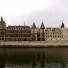 Picture - La Conciergerie on the Seine River in Paris.