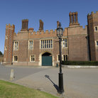 Picture - Front view of Hampton Court Palace.
