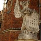 Picture - Hampton Court Palace in London.