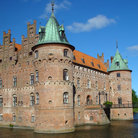 Picture - Egeskov Castle.