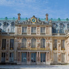 Picture - The exterior of Chateau Versailles.