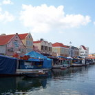 Picture - Floating market in Willemstad.