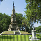 Picture - The Forsyth Park's Confederate Monument in Savannah.