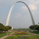 Picture - Gateway Arch in St Louis, stands 630 feet tall (192 m).