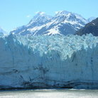 Picture - Wall of ice at Glacier Bay National Park.