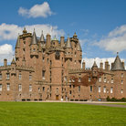 Picture - Summer time at the Glamis Castle in Dundee.