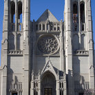 Picture - Entrance to the gothic Grace Cathedral in San Francisco.