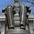 Picture - Abraham Lincoln statue in Grant Park, Chicago.