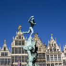 Picture - Statue of Brabo on the 'Grote Markt' in Antwerp.