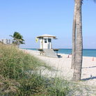 Picture - Life guard hut on Hollywood Beach.