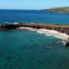 Picture - View over the shoreline and beach of Hulopoe Bay on Lanai.