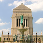 Picture - Indiana World War Memorial Builiding and fountain in downtown Indianapolis.