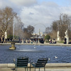 Picture - Chairs in front of a fountain at the Jardin des Tuileries in Paris.