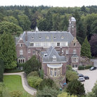 Picture - Aerial view of the Kasteel de Hooge Vuursche, castle.