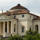 Picture - The famous Rotonda near Vicenza begun by Palladio about 1550 and completed by Scamozzi in 1606.