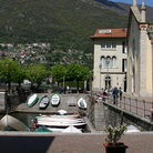 Picture - Harbor on Lake Como.
