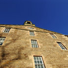 Picture - An old stone building in Lanark.