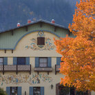 Picture - A painted building seen in the fall in Leavenworth.