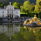 Picture - Pond in front of the Linderhof Palace.