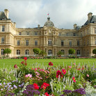 Picture - Flowers in front of the Jardin du Luxembourg in Paris.