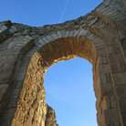 Picture - Archway at the abbey in Maillezais.